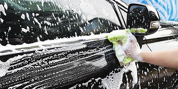 lavado de coches ecológico a mano