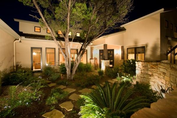 Iluminaci n exterior resalta tus espacios por las noches - Iluminacion para jardines ...